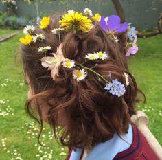 Картинка с тегом «flowers, hair, and aesthetic»