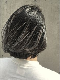 Dark Grey Hair Color, Two Color Hair, Dark Ombre Hair, Bob Hair Color, Short Grey Hair, Short Hair Styles, Ash Grey Hair, White Hair Highlights, Charcoal Hair