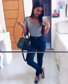 Ver esta foto do Instagram de @alicevivianny • 1,508 curtidas Looks Style, Casual Looks, My Style, Leila, School Outfits, Jeans Style, Dress To Impress, High Waisted Skirt, Casual Outfits