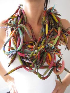 While the previous Pinner credits this work to Jean Paul Gaultier couture medusa necklace, it looks strikingly similar to the work of Emmanuel Kasongo. Textile Jewelry, Fabric Jewelry, Jewelry Art, Fashion Jewelry, Jewellery, Textile Art, Textiles, Felt Necklace, Beaded Necklaces