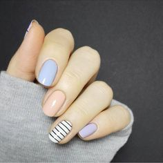 New fashion Fashion Fashion Online Current Fashion Trends, Spring, Fashion Latest Trends Gel Nail Tips, Gel Nails French, Glitter Manicure, School Nails, Nail Design Video, Dark Nails, Types Of Nails, Spring Nails, Nail Arts