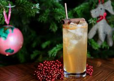 Sloe gin should be festive enough, but if you add a dash of cinnamon to this summer classic, it becomes even more Christmassy (hence the name change!).