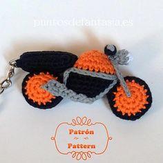 Ravelry: Moto Naked / Naked Bike, free #crochet pattern by Puntos de Fantasía, amigurumi #keychain, #haken, gratis patroon (Engels), #sleutelhanger, motorfiets, #haakpatroon