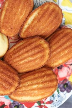 Lemon Madeleines! Your favorite French tea cake cookie with perfect notes of lemon! #baking #spring #Easter