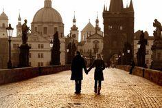 Charles Bridge ,Prague http://www.travellerspoint.com/photos/116989/Charles_Bridge_51Rev.jpg