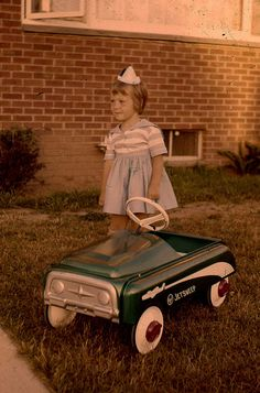 I had one of these peddle cars when I was 4-6  Jetsweep
