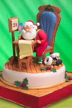 , -gumpaste table and chair tutorial - - Cake Decorating Tutorials (How Tos) Tortas Paso a Paso Christmas Cake Designs, Christmas Sweets, Christmas Baking, Christmas Cookies, Santa Christmas, Fondant Christmas Cake, Christmas Topper, Father Christmas, Unique Cakes
