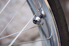 Valve cap detail on Firebikes Fluid custom bike by Gatz Cascais. Custom Bikes, Door Handles, Cap, Detail, Home Decor, Door Knobs, Baseball Cap, Homemade Home Decor, Decoration Home