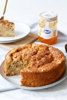 Breakfast cake with oatmeal and apricot Tart Recipes, Sweet Recipes, Baking Recipes, Vegan Recipes, Breakfast Cake, Breakfast Recipes, Healthy Baking, Healthy Treats, Sweet Pie