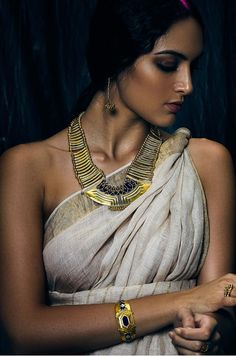 Tribe Amrapali offers unique handcrafted silver jewellery, fashion jewellery and tribal jewellery online and ships worldwide. Body Art Photography, Girl Photography Poses, Dove Cameron Style, Indian Women Painting, Glamour World, Indian Photoshoot, Modern Saree, Figure Photo, Wild Girl