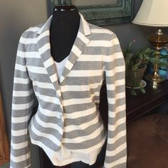 Gap academy blazer Adorable Gap blazer! A little bit of stretch to make it comfortable but holds a beautiful silhouette.  Fully lined.  Great casual, classic blazer with a cute striped twist!  No damage and in great shape.  Worn twice.  Smoke free home.  Happy shopping! GAP Jackets & Coats Blazers