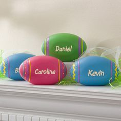Ooooh! These are the perfect Easter Decorations! This site has tons of great personalized Easter gifts!