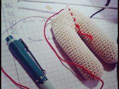 MaryJ Handmade: School amigurumi: how to merge the leg seams Crotchet Patterns, Crochet Stitches, Crochet Dolls, Crochet Baby, Dou Dou, Amigurumi Tutorial, Amigurumi Doll, Scrapbook, Projects To Try