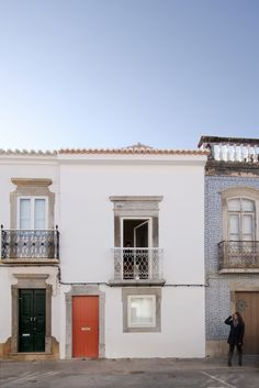 Refurbished townhouse in Tavira, Portugal by Estudio ODS Architects - Exterior