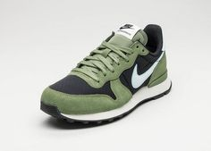 Nike Wmns Internationalist (Black / Glacier Blue - Palm Green - Sail)