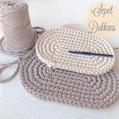 Best 11 Vizon ve krem rengi oval sepet tabanlarım hazır İkili set olacak bu s. Crochet Sole, Crochet Star Stitch, Bobble Stitch, Bead Crochet, Crochet Rug Patterns, Crochet Basket Pattern, Diy Crafts Crochet, Crochet Gifts, Crochet Handbags