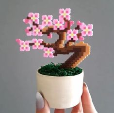 It's a rainy Saturday ☔️ here in the UK ? Suddenly we're all trapped in the house! Time to get crea… in 2020 Hamma Beads 3d, Hamma Beads Ideas, Fuse Beads, Melty Bead Patterns, Pearler Bead Patterns, Loom Patterns, Perler Bead Templates, Diy Perler Beads, Pearl Beads Pattern