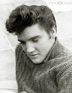 Elvis Presley, symbole de sensualité dans les années 50.