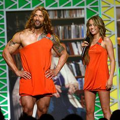 Disturbing picture of The Rock (Dwayne Johnson) dressed as Miley Cyrus. The Rock Dwayne Johnson, Dwayne The Rock, Rock Johnson, Awkward Funny, The Funny, I Love To Laugh, Awkward Moments, Just For Laughs, Celebrity Pictures