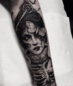 Tattoos on back Tatuajes Tattoos, Leg Tattoos, Body Art Tattoos, Sleeve Tattoos, Cool Tattoos, Fire Tattoo, Back Tattoo, Sketch Tattoo Design, Tattoo Designs