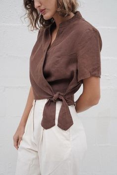 Willa Wrap Blouse - Cocoa in 2020 Casual Skirt Outfits, Summer Outfits, Haut Kimono, Sewing Blouses, Look Man, Blouse Outfit, Wrap Dress Outfit, Wrap Blouse, Mode Inspiration