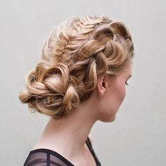 50 Cute and Trendy Updos for Long Hair hairstyle source http://theconfessionsofahairstylist.com/?offset=1426040927933