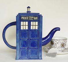 The TARDIS teapot is handmade by Jadeflower from Seattle