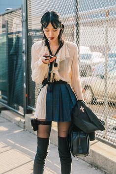 El look 'school' se reinventa con unas botas calcetín