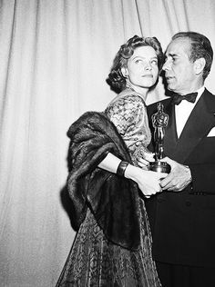 Lauren Bacall & Humphrey Bogart at the 24th Annual Academy Awards, 1952.