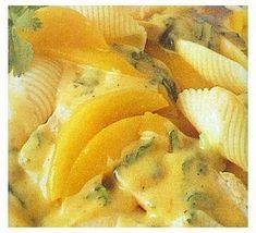 Aprende a preparar Pollo en mango con esta rica y fácil receta. Se salpimenta el pollo y se frie en el aceite de oliva a que dore ligeramente. Se le pone el pollo y se deja hevir a fuego lento aproximadamente 15 minutos.