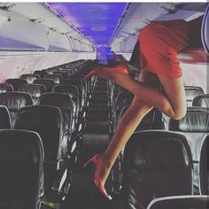 Excuse us while we put our carry-on items in the overhead bin. We're off to Kingston tomorrow with Pilot The beverage cart will be making it's way through soon after take off 👠