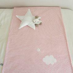 Couverture enfant coton blanc pois rose et fuchsia nuage nina