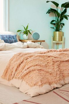 Shop Rosa Eyelash Fringe Throw Blanket at Urban Outfitters today. We carry all the latest styles, colors and brands for you to choose from right here. Teen Girl Bedrooms, Home Trends, Bedroom Styles, My New Room, Home Interior, Home Decor Inspiration, Decor Ideas, Home Furniture, Bedroom Decor
