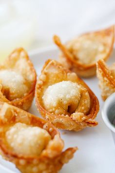 Fried wontons – BEST wontons recipe! Homemade, crispy, simple ingredients. Learn how to make wontons with this easy Chinese recipe   rasamalaysia.com