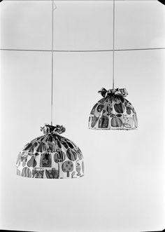 Mobiliário - candeeiros de teto. Fotografia sem data. Produzida durante a actividade do Estúdio Mário Novais: 1933-1983.  [CFT003.031881.ic]