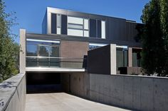 exterior of the hannon richards ferrier_webb residence located off elbow drive, calgary / residential / davignon martin architecture + interior design