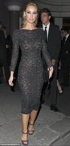 Lauren Pope looking great in Luxury Latex by Louis Heal!