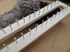 how to make a knitting loom