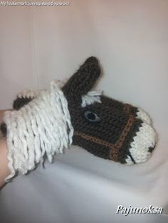 Heppalapaset, horse mittens Knitting For Kids, Baby Knitting Patterns, Crochet For Kids, Knitting Stitches, Knitting Yarn, Crochet Mittens, Crochet Gloves, Knitted Hats, Crochet Horse