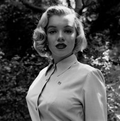 Rare Photos of Marilyn Monroe with a Rolleiflex - Lomography
