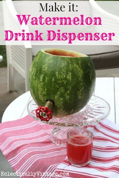 a Watermelon Drink Dispenser and Summer Cocktail Make a watermelon drink dispenser and be the hit of your barbecue! Great recipe included Make a watermelon drink dispenser and be the hit of your barbecue! Barbacoa, Summer Recipes, Great Recipes, Recipe Ideas, Watermelon Cocktail, Watermelon Punch, Watermelon Lemonade, Jai Faim, Alcoholic Drinks
