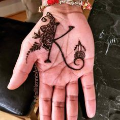 Brides love to get their hands decorated with mehndi, grooms on the contrary, usually prefer simple mehndi. Here are some latest groom mehndi designs 2020 that we love! Palm Mehndi Design, Mehndi Designs For Kids, Latest Henna Designs, Mehndi Designs Book, Mehndi Designs For Beginners, Modern Mehndi Designs, Dulhan Mehndi Designs, Mehndi Design Pictures, Mehndi Designs For Fingers