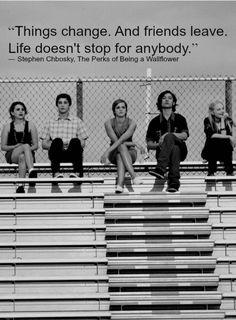 Still from the film 'The Perks of Being a Wallflower' with Ezra Miller, Logan Lerman, Mae Whitman, Nina Dobrev & Paul Rudd. Logan Lerman, Great Movies, Great Books, Awesome Movies, Movies Showing, Movies And Tv Shows, Film Scene, High School Cliques, Netflix