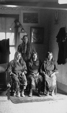 Quanah Parker and three wives – Comanche – 1892    Read more: http://amertribes.proboards.com/index.cgi?board=comanche=display=436#ixzz2A4EBOH00