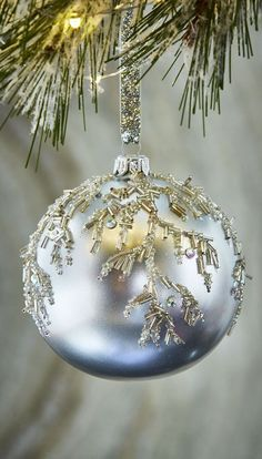 Silver and White Christmas Ornaments White Christmas Ornaments, Candy Christmas Decorations, Elegant Christmas, Beautiful Christmas, Christmas Holidays, Christmas Crafts, Diy Ornaments, Beaded Ornaments, Homemade Christmas