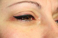 Thick black latino eyeliner permanent make up
