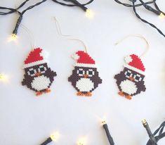 beads jewelry making Perler Bead Designs, Hama Beads Design, Diy Perler Beads, Hama Beads Patterns, Beading Patterns, Hama Perler, Christmas Owls, Christmas Crafts, Christmas Ornaments