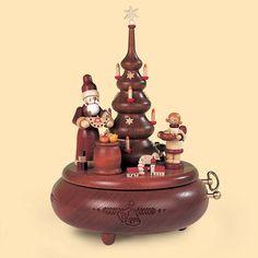 Weihnachtsspieldose Bescherung am Weihnachtsbaum  Hersteller: ( Müller )  Gewicht: 0.80 Kilogramm  Preis: €265,00 (inkl. 19 % MwSt.)  Preis: €222.69 (Tax Free)