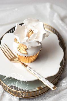 How to Make Elaborate Magnolia Cupcakes in Just 5 Steps Really  Mein Blog: Alles rund um die Themen Genuss & Geschmack  Kochen Backen Braten Vorspeisen Hauptgerichte und Desserts