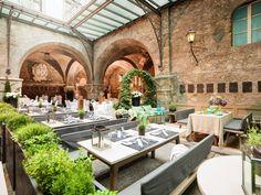 St. Peter Stiftskeller (Salzburgo, Áustria) - Operando desde o ano 803, o restaurante mais antigo da... - Divulgação